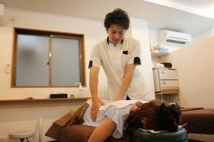 絆式 腰部の施術